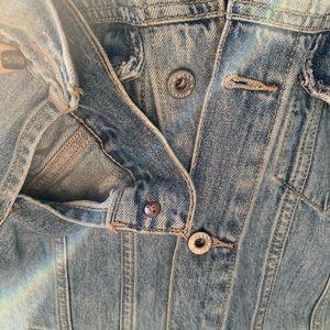 Lucky Brand Jackets & Coats - Lucky brand boyfriend cut distressed denim jacket